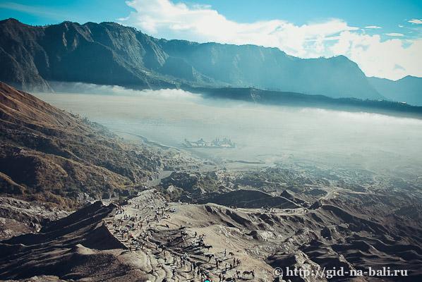 Вулканы Явы, вид с вулкана Бромо