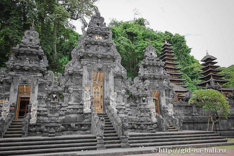 храм-пещера летучих мышей Гоа Лава, о.Бали